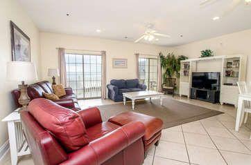 Cherry Grove Villas - 404: 6 Bedroom 5 Bath condo located in the Cherry Grove section of North Myrtle Beach, SC.