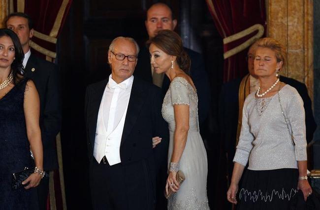 """Juan Luis Galiacho autor del libro """"Isabel y Miguel"""" de nuevo en boca de todos por la reciente muerte de Miguel Boyer (DEP). http://www.esferalibros.com/libro/isabel-y-migue"""