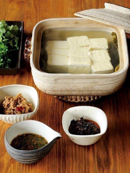 Recipe : たれいろいろの湯豆腐/さっぱり湯豆腐は、 たれで味を変えてみて。 #レシピ #Recipe