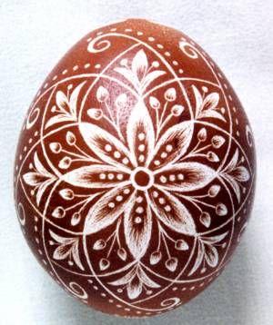 Karcolt tojás - Scratch-carved egg (1)