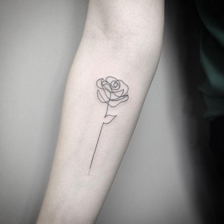 Si vous aimez les roses, ces petits tatouages vont vous séduire