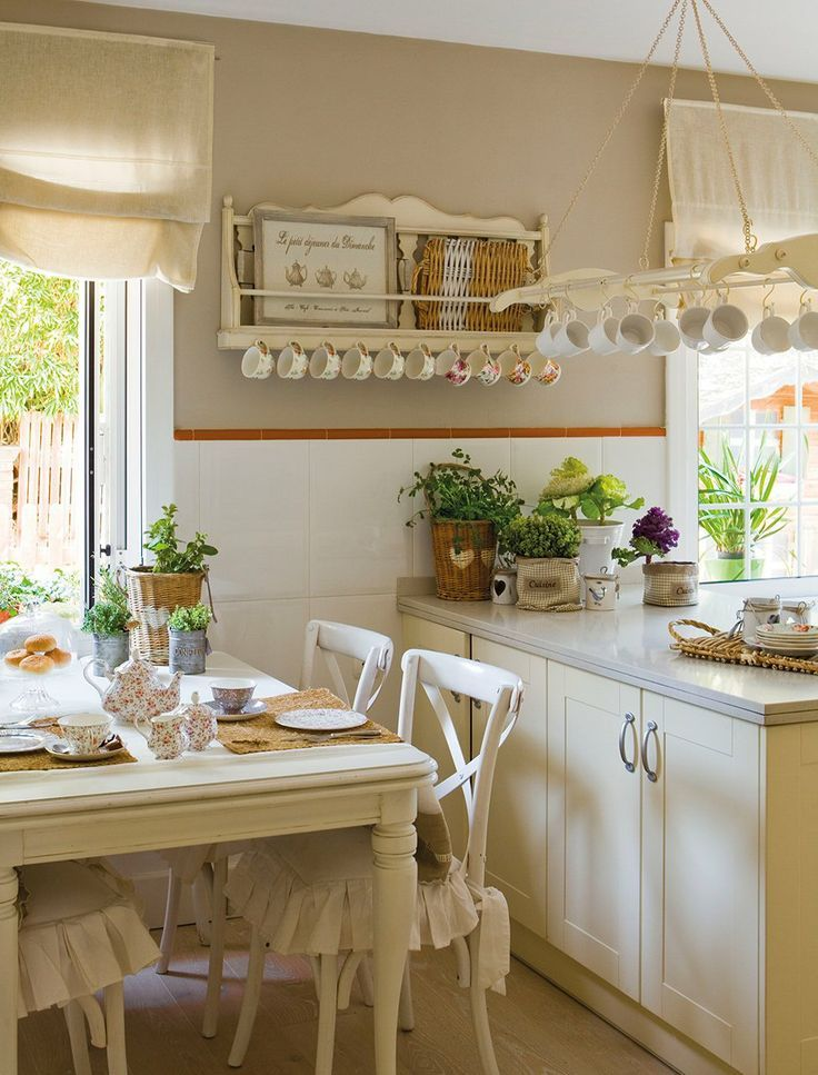 1000 images about cottage decor on pinterest painted for Cottage charm farmhouse