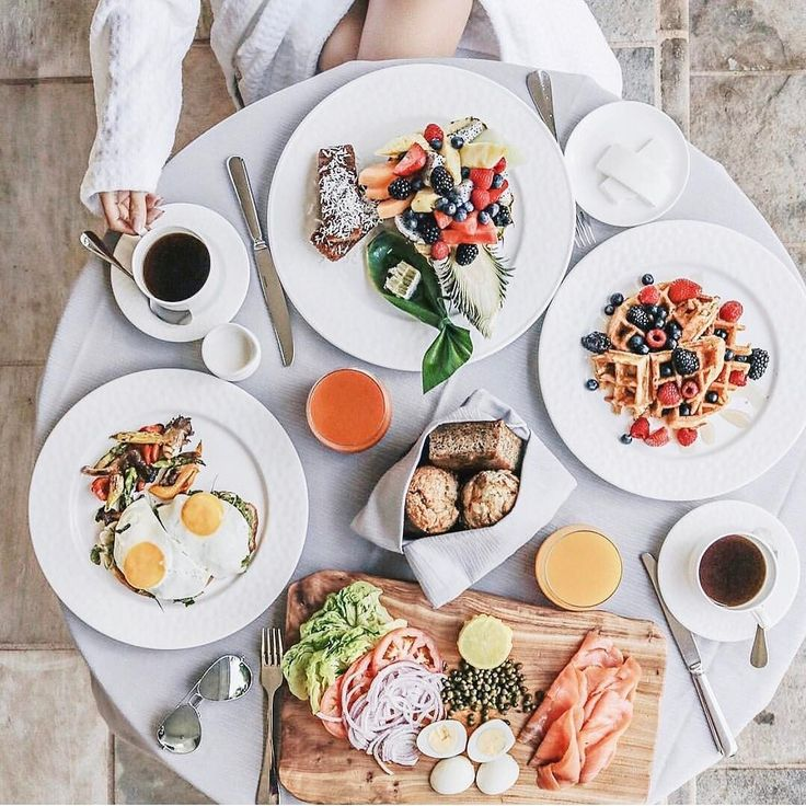 We love seeing how you #wakeupwithfs! Show us how you spent your mornings here at #fsoahu just like @notjessfashion