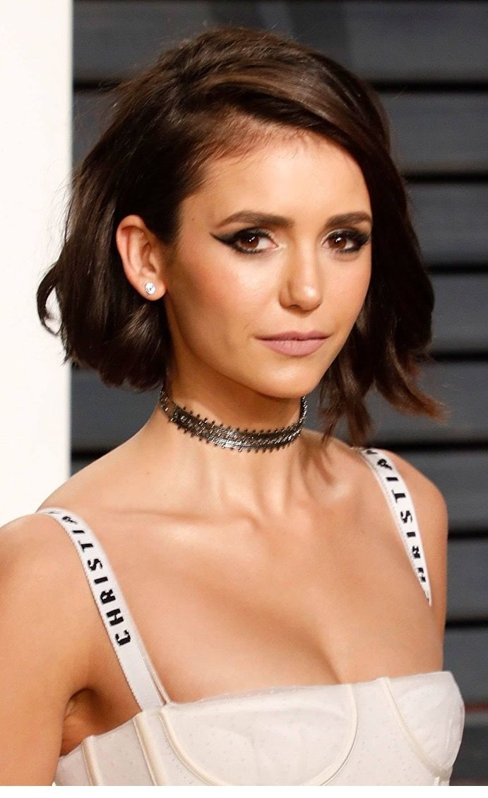 Nina Dobrev Short Hair 2017 Hair In 2019 Short Hair
