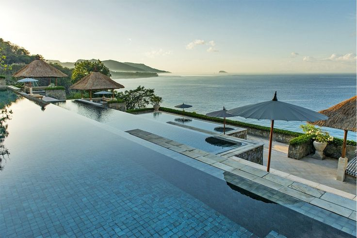 Amankila luxury hotel Bali