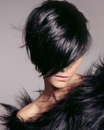 dark hair, short hair