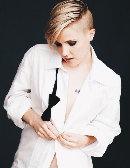 ddrunkonyou:  Hannah Hart in Diva Magazine's October 2015 Issue....
