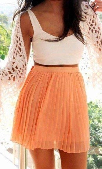love the skirt and cropped top