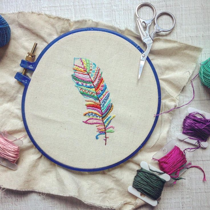 @jipijapas colourful feather embroidery