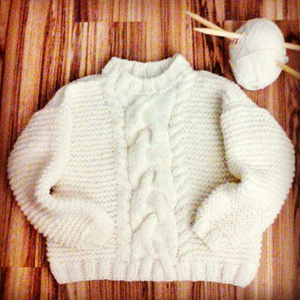 75 отметок «Нравится», 3 комментариев — 🌸Hi, I'm Irina🌸 (@irinephoenix) в Instagram: «#knitting#handmade#knitstagram#instaknit#thick_yarn#вязаниеназаказ#ручнаяработа#крупнаявязка#толстаяпряжа#вяжутнетолькобабушки#белый#свитер#москва#moscow»