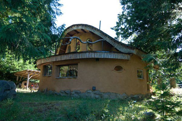 71 best images about cob house on pinterest adobe natural building and british columbia - Modern cob and adobe houses ...