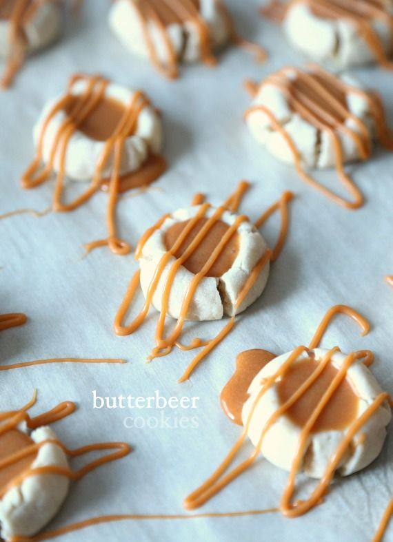 Butterbeer Cookies... a simple buttery meltaway cookie topped with creamy Butterscotch ganache!!