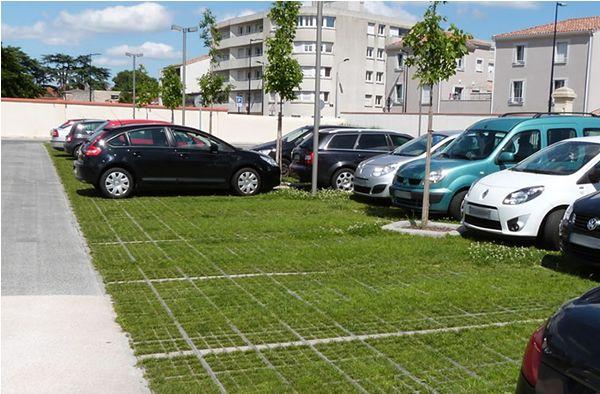 Parking Vegetalise En Dalles Pre Engazonnees Vegetalisation D Espace Pour Un Parking Tertiaire A Forte Frequent Parking Vegetalisation Architecture Du Paysage