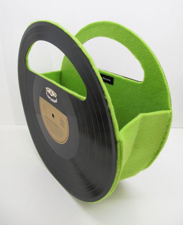 Schallplatten Handtasche aus Filz Upcycling Tasche