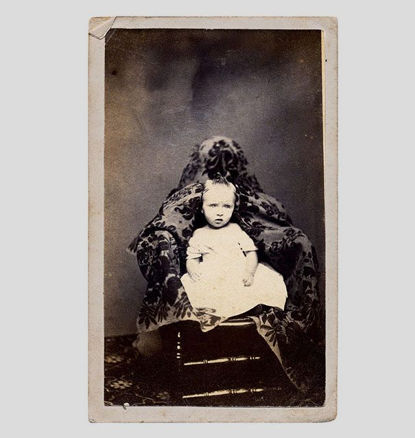 Hidden Mothers: Spooky Photographs of Victorian Babies Held by Their Mothers | Bored Panda