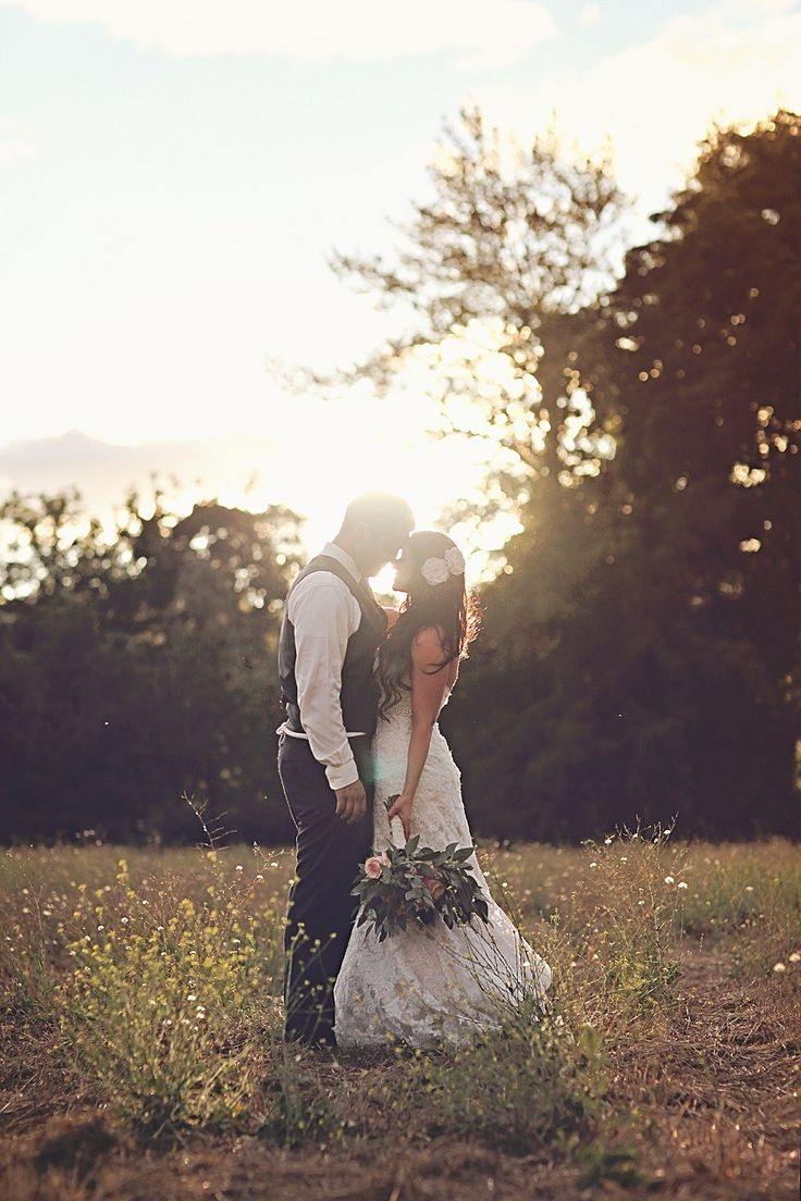 Beautiful Rustic & Vintage Oregon Wedding