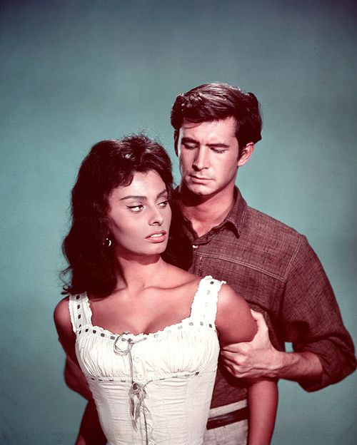 Sophia Loren and Anthony Perkins, Desire Under the Elms.Anthony Perkins, Sophia Loren, Loren Style, Sophia 1962, Loren Colours, Actresses Ξενοι, Loren Film, Classic Hollywood, Bella Sophia