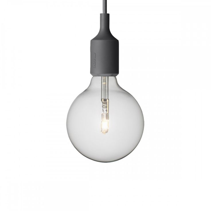 Diese Hängeleuchte ist wohl der Inbegriff der Marke MUUTO. Die nackte Glühbirne in der farbigen Silikonfassung verkörpert eine subtile