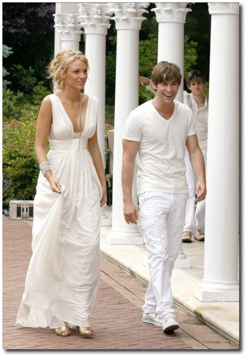 Wedding-Tiara-Ideas-Bohemian-and-Grecian-Wedding-Hair-Styles-698x1024
