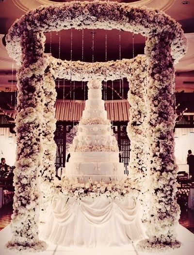 Big Wedding Cake Images : 25+ Best Ideas about Extravagant Wedding Cakes on ...