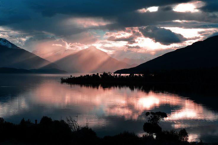 Lake Te Anau. South Island, New Zealand
