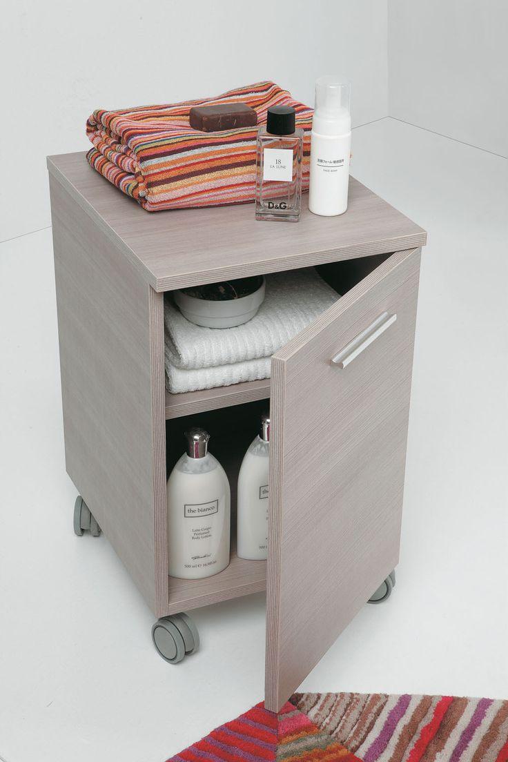 Carrello in legno chiaro per impreziosire il tuo bagno complementi 39 linea 39 di althea for Complementi d arredo bagno