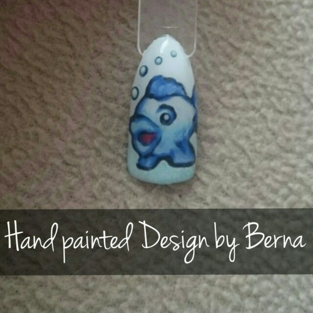 First attempt with only gel :) #freehand #freestyle #nailart #biosculpture #nailsbyberna