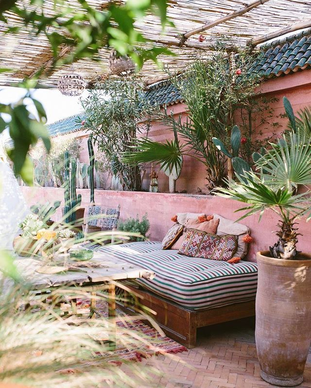 Outdoor living | Dreaming of this Moroccan escape ! Some of my favorite pictures I have ever taken are of this magical place @riadjardinsecret, their styling and decor is simply perfect