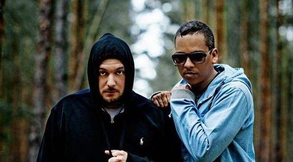 """XAVAS - neue Single 'Wage es zu glauben' mit Videopremiere! - Seit der Veröffentlichung des Albums """"Gespaltene Persönlichkeit"""" haben XAVAS (=Xavier Naidoo + Kool Savas) eindrucksvoll gezeigt, wie erfolgreiches Teamwork aussieht. Und die Sprache der Fans dieser beiden Musiker ist eindeutig - sowohl die Single """"Schau nicht mehr zurück"""", als auch der Longplayer """"Gespaltene Persönlichkeit"""" erreichten Goldstatus."""