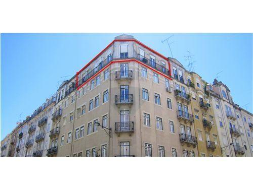 Apartamento - T4 - Venda - Arroios, LisboaT4 Junto à Praça do Chile | OPORTUNIDADE  |More Sharing Servicesshare|Share on facebookShare on twitterShare on linkedin 139.500 €  Conversor de Moeda Rua José Falcão - Praça do Chile - Praça do Chile - , 1000-184 Arroios, Lisboa 5Total de Assoalhadas4Quartos 1Casas de Banho115Total m² 5Nº Pisos5º AndarNº de Andar 115,00Tam. do Lote (m²)1950