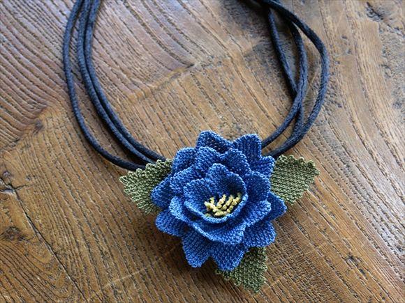 イーネ・オヤ刺繍針で作る繊細なレースネックレス/ギュル・バラの花・ブルー