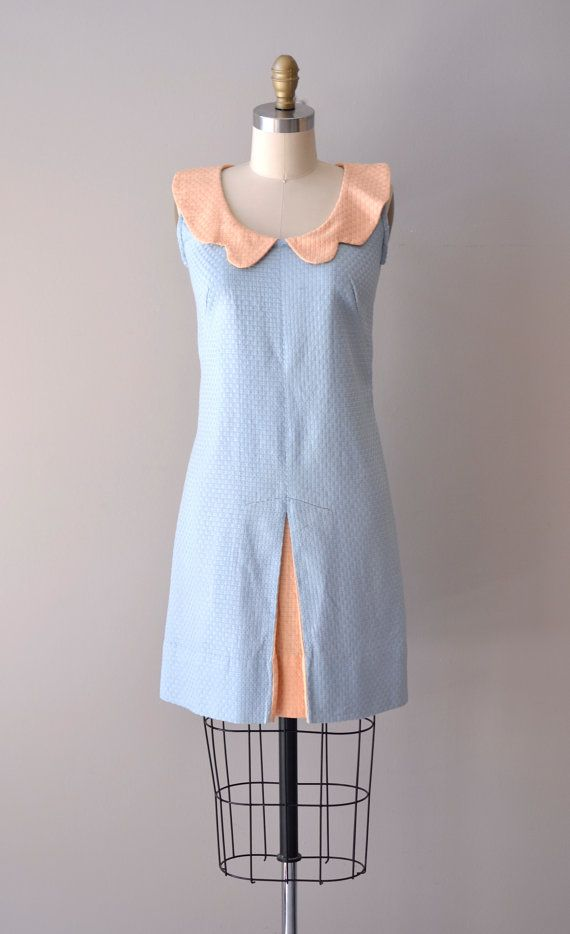 1960s Peek-a-boo dress     #vintagedress #1960s #peterpancollar