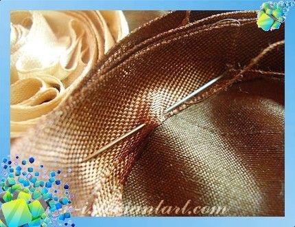 вышивка лентами подушка вышитая лентами ленты
