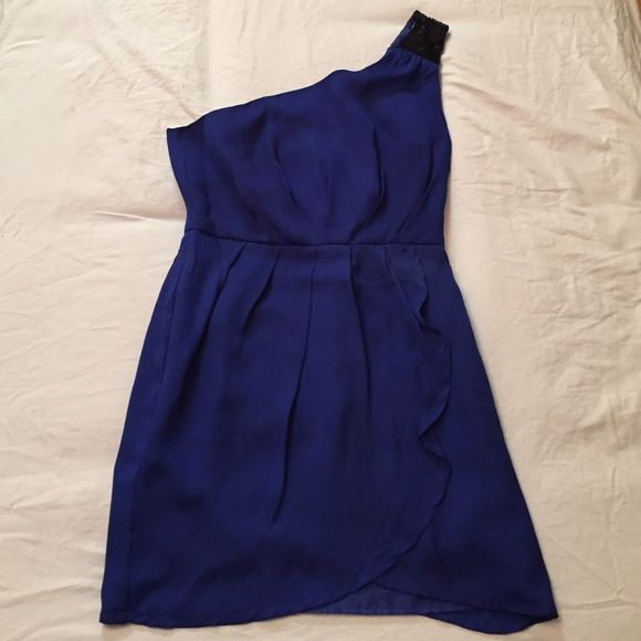 Forever 21: Royal Blue Dress Small stain on front. Small rip on the inside. Forever 21 Dresses One Shoulder