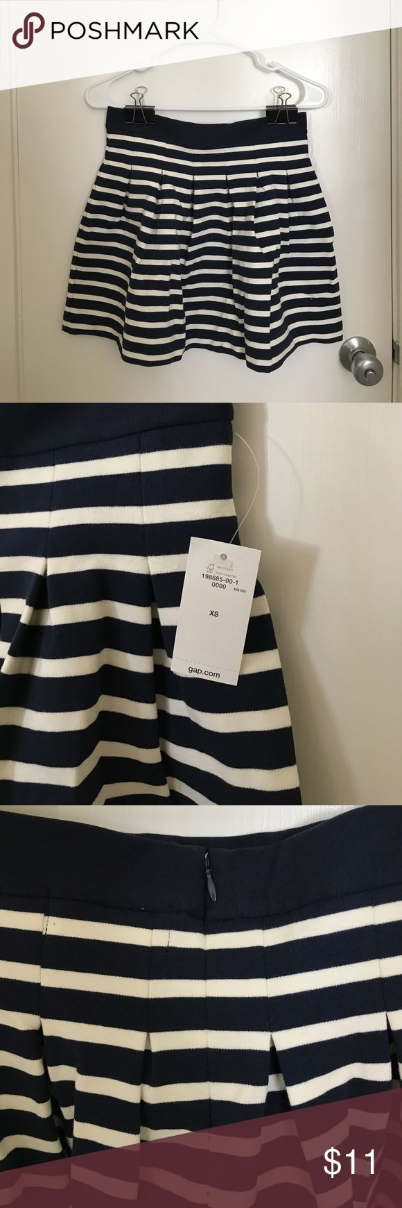 Gap nautical blue and white skirt, XS Gap dark blue and white line pattern skirt. Size XS. Never worn, new with tags. GAP Skirts Circle & Skater