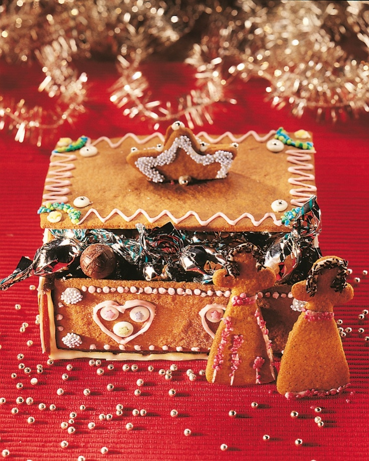 A box made out of gingerbread - great idea!