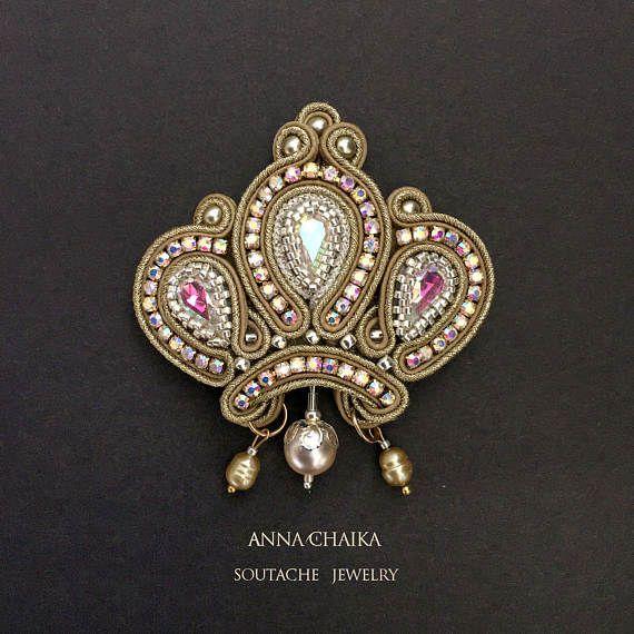 Soutache brooch gold brooch crown brooch от JewelryhandbagStudio