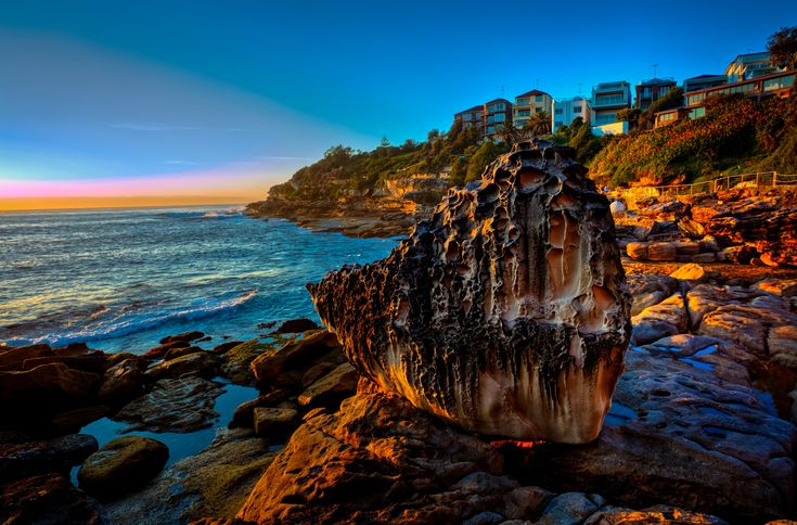 https://flic.kr/p/Aqzmjn | Big Rock @ Bondi Beach | Sculpture by the Sea  © Copyrighted. All Rights Reserved. Please direct any enquiry to: shihab.imam@gmail.com
