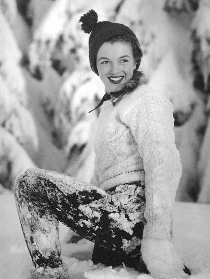 Nineteen year old Norma Jeane enjoying some fun in the snow, December 1945 <3