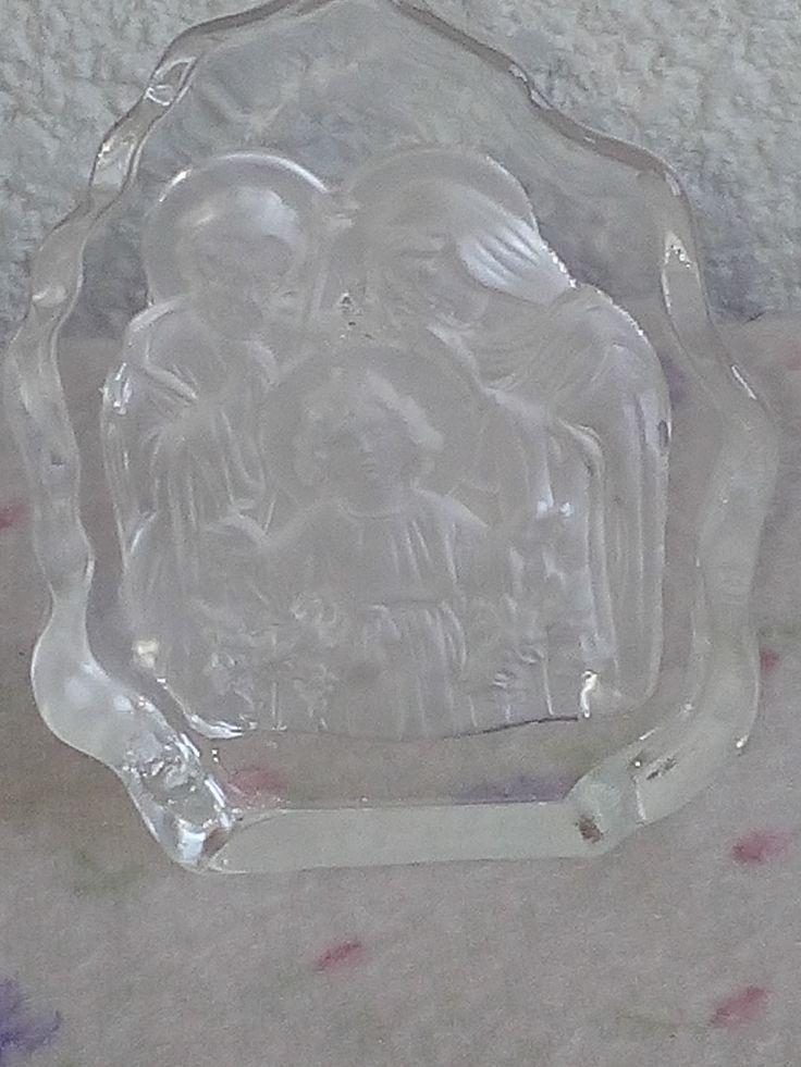 Sagrada Familia tallada en vidrio.   Made in china.  2017