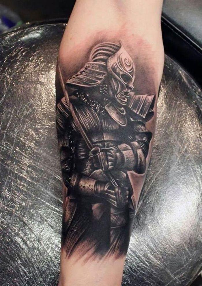 samurai tattoo, unterarm, unterarmtattoo, katana, helm, maske