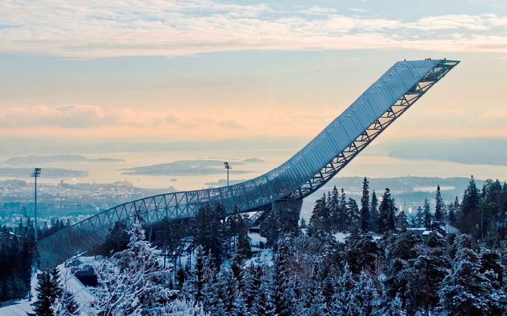 Holmenkollen im Norwegen Reiseführer http://www.abenteurer.net/2491-norwegen-reisefuehrer/