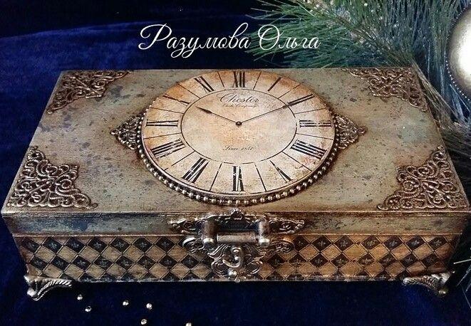 """Шкатулка для ёлочных медальонов """"Старинные часы"""" #часы #clock  #patina #патина #золото"""