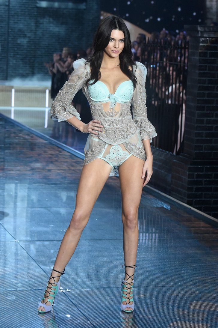 Pin for Later: Seht alle Fotos der Victoria's Secret Fashion Show Kendall Jenner