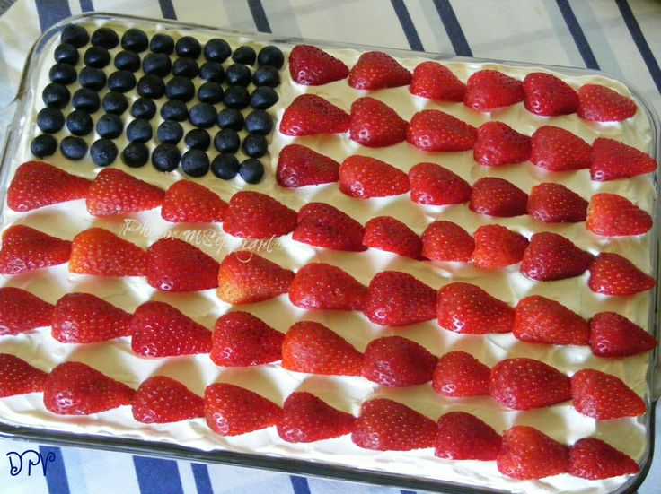 Red, White, & Blue Strawberry Shortcake  --    Show your patriotism with this easy, peasy Flag cake!  Vanilla cake is topped with whipped pudding frosting and fresh berries. (You could also decorate the top of a no-bake cheesecake pan dessert like this).