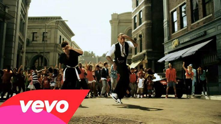 Chris Brown - Yeah 3x 聽到這首歌是在日本皮卡丘大量發生中的團體舞蹈 由於歌手的聲音很有辨識度 所以成功找到原曲XD  不過每次聽到附歌就會跟跳 皮卡丘的團舞wwww