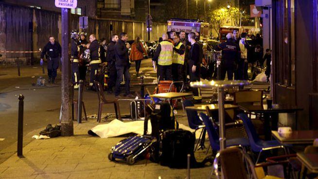Imágenes impactantes de los ataques a París: al menos 160 muertos en 7 atentados simultáneos