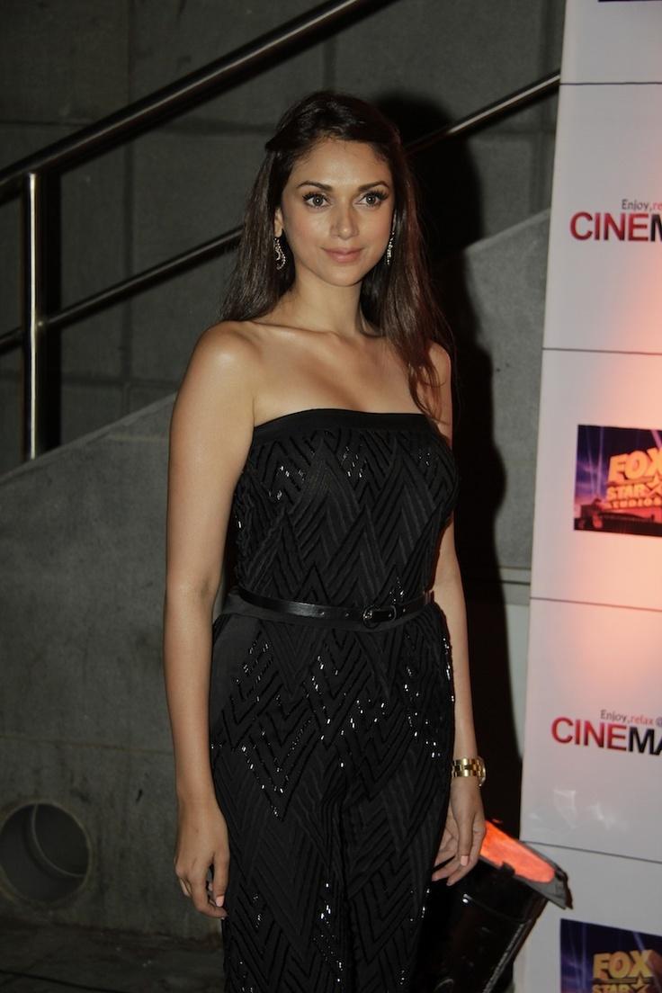 Aditi Rao Hydari at Movie Jolly LLB Premiere.