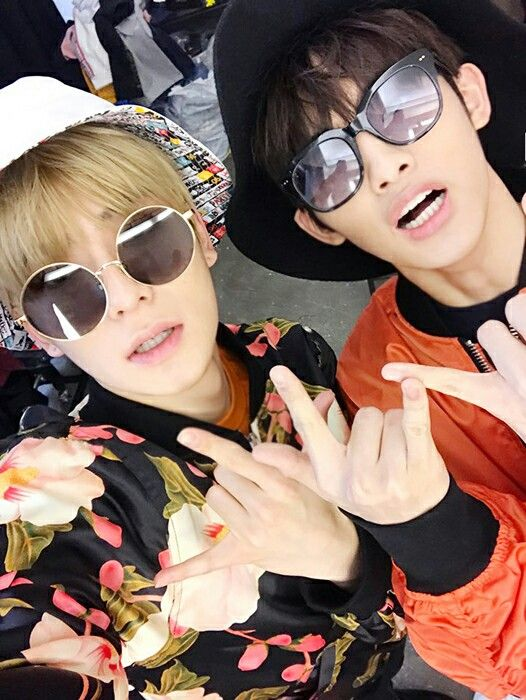 Jaehyun and  winwin  I love this picture