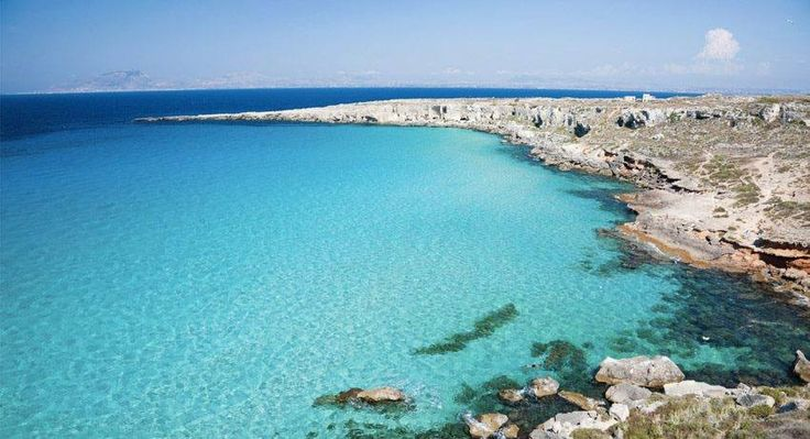 | Cala Rossa, #Favignana | Isole Egadi | #Sicilia |  www.volamondo.it